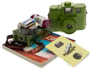 Holga-camera-starter-kit-MC-WorldTraveler-fb-69538700